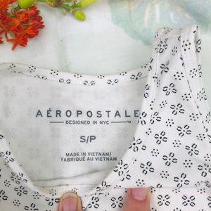 Aeropostale Tops - Aeropostale White Crop Top Patterned